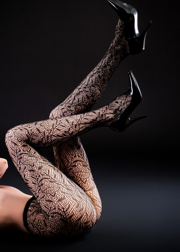 Winding Leafs Fishnet Tights