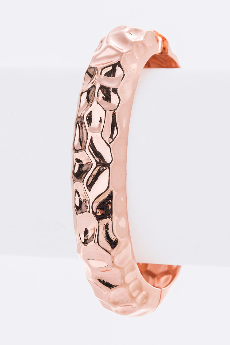 Texture Iconic Hinge Bangle