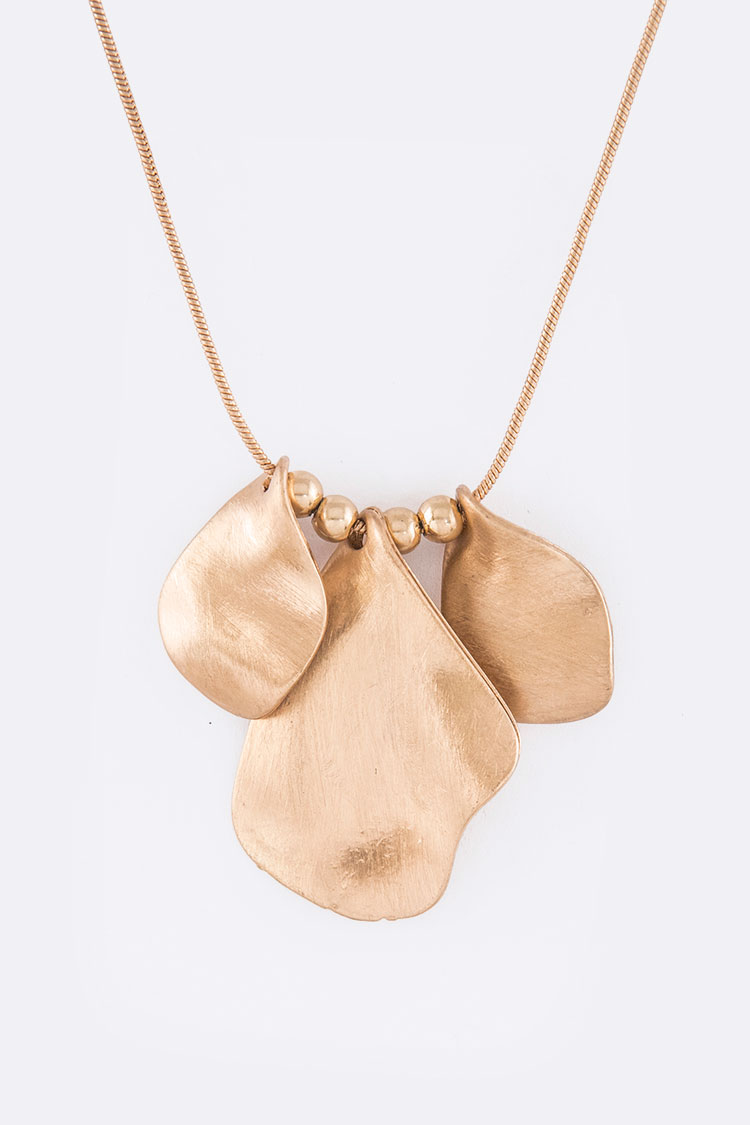 Mix Plate Petal Pendant Necklace