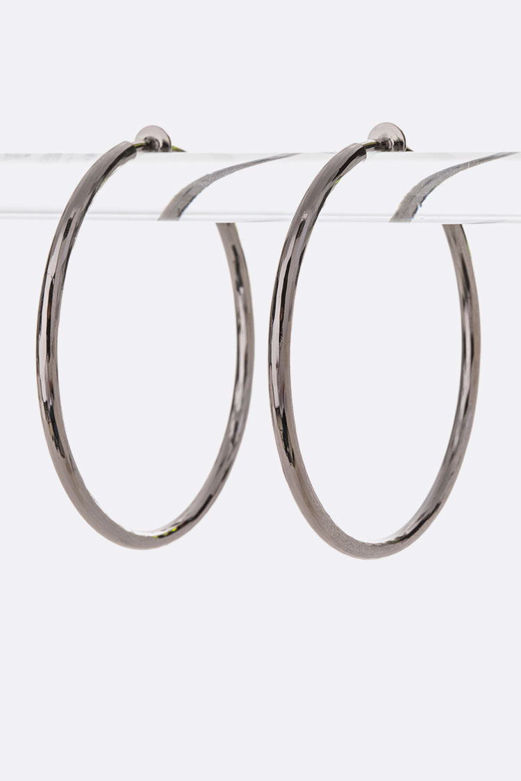 Clip On Textured Iconic Hoop