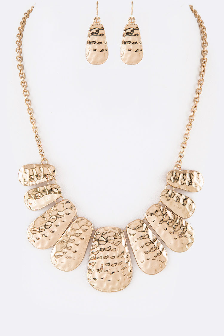 Textured Iconic Collar Necklace Set