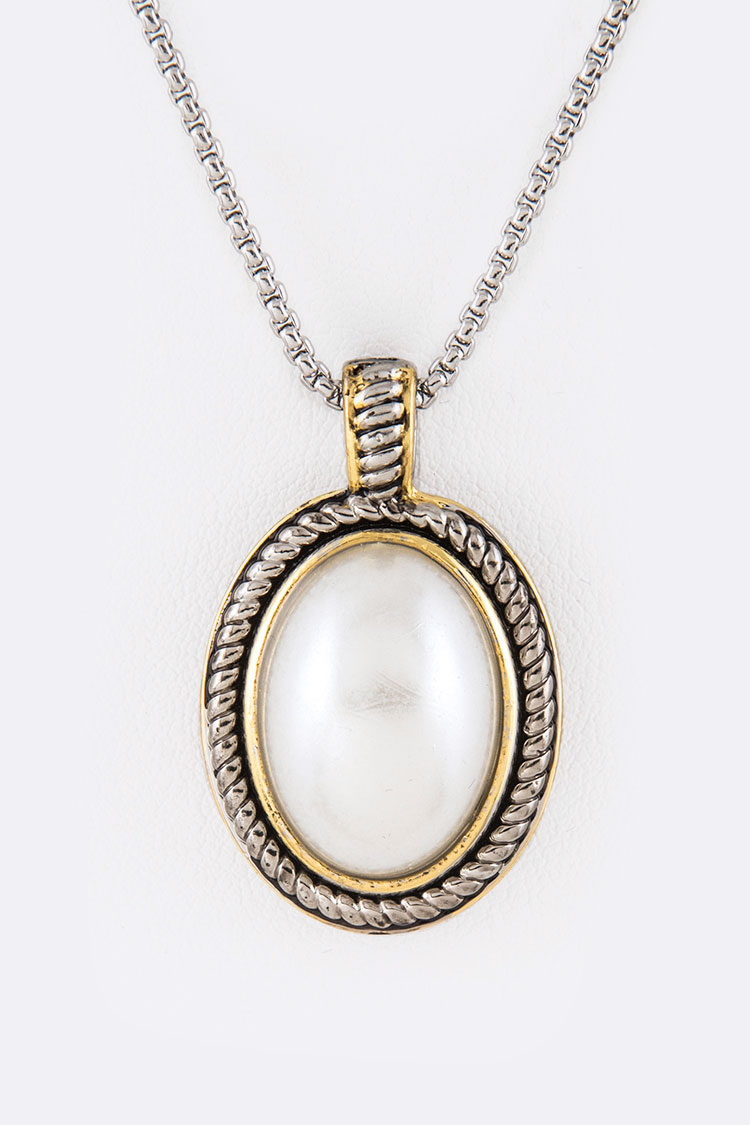 Pearl Oval 2 Tone Pendant Necklace