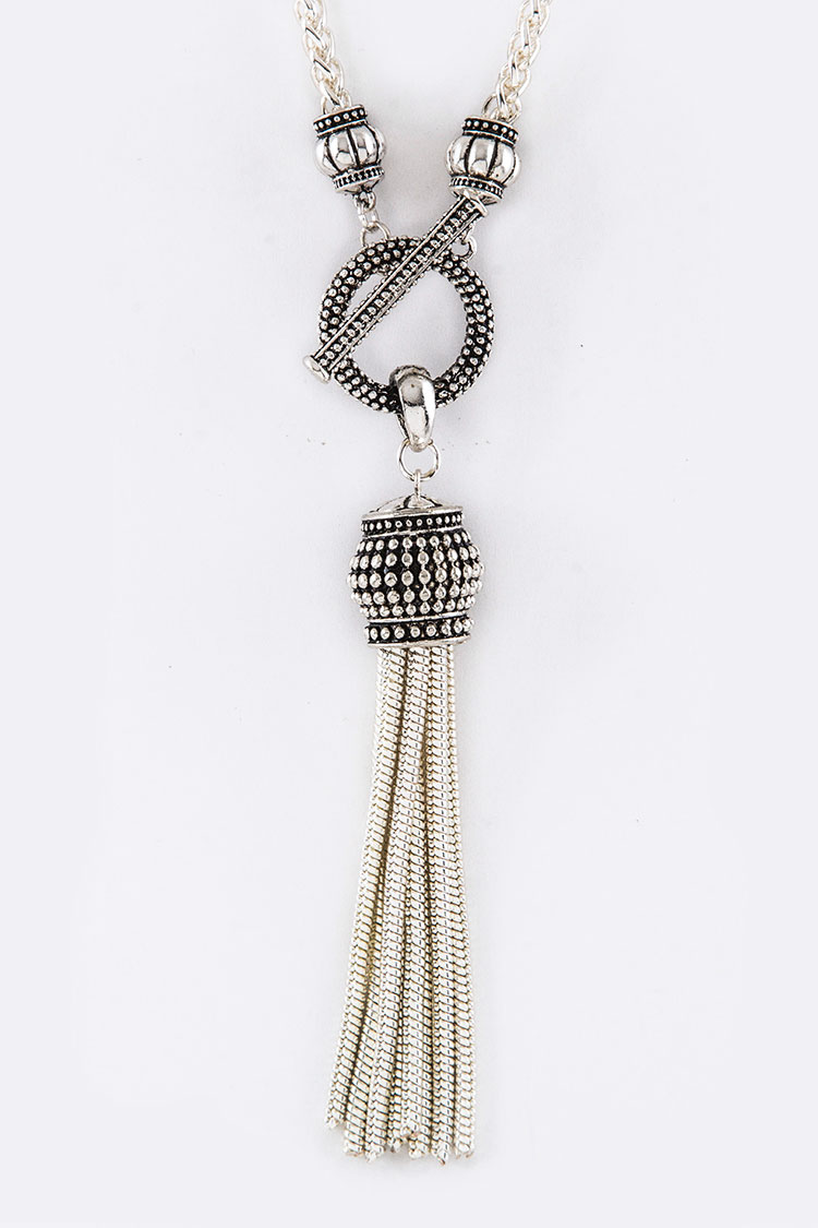 Chain Tassel Toggle Necklace
