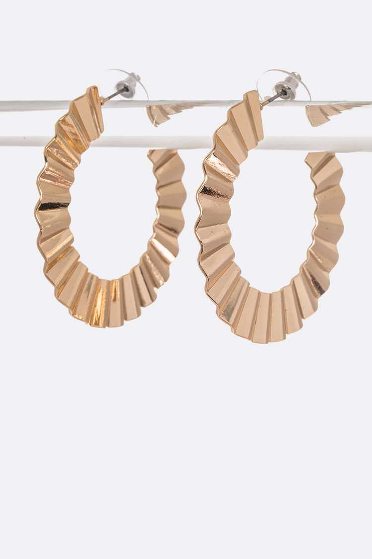 Wavy Textured Iconic Hoops