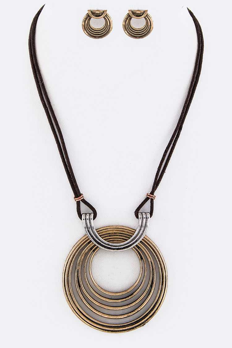 Ring Pendant Leather Necklace Set