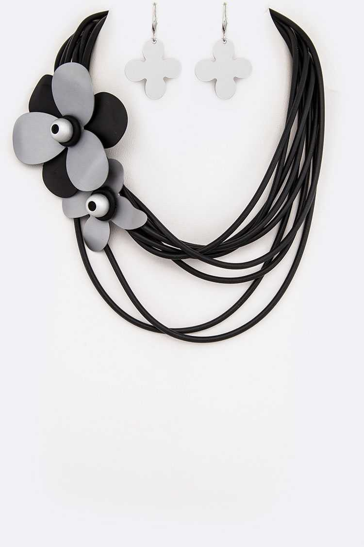 Aluminum Flowers Silicon Statement Necklace Set