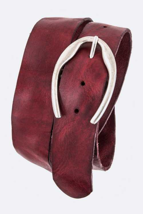 Iconic Oval Buckle Distress Leather Belt