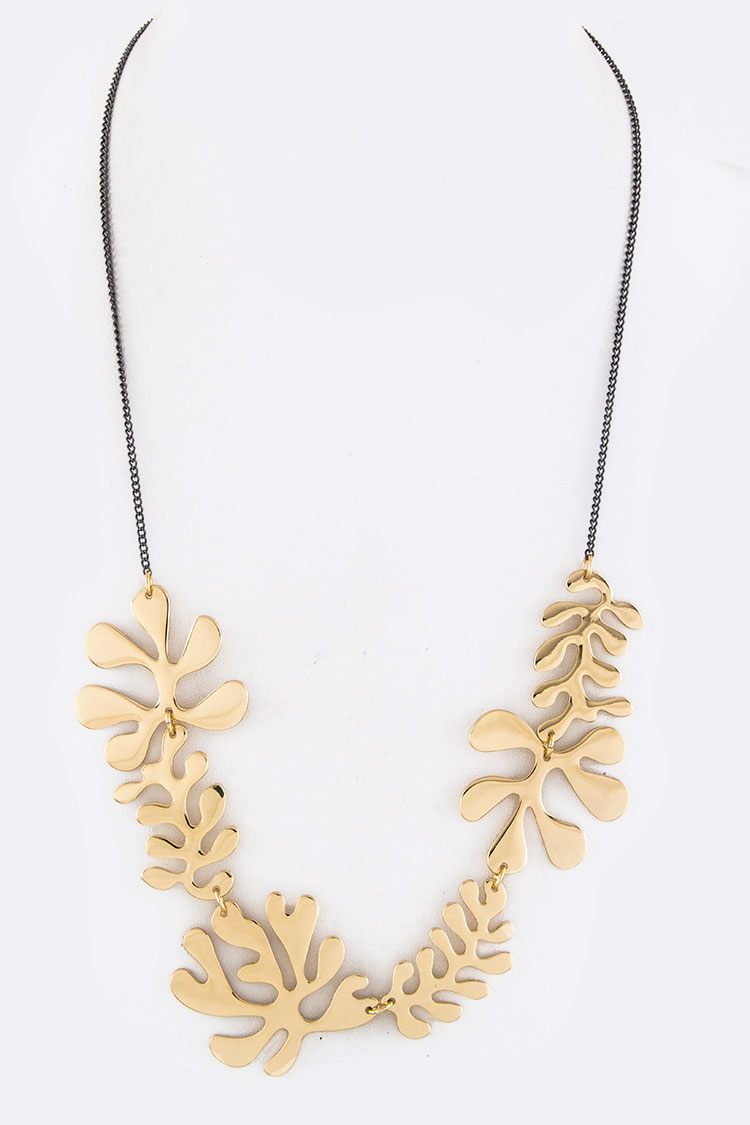 Palm Leafs Cutout Iconic Necklace