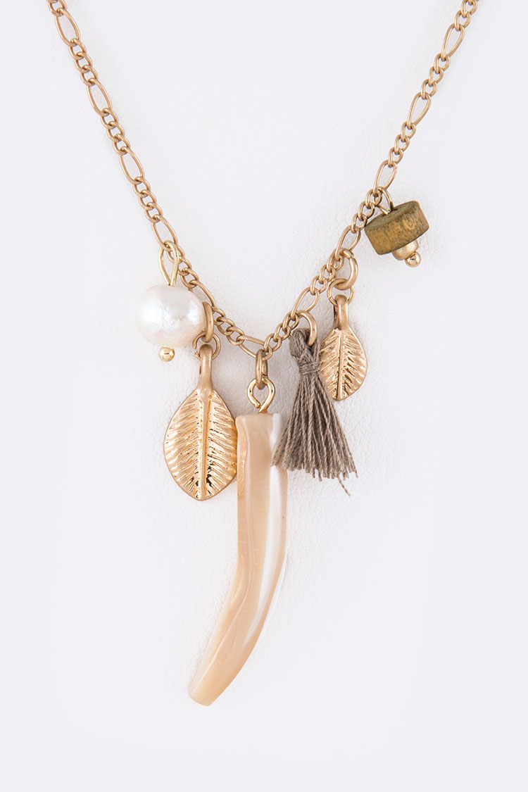 Mix Charm Leaf & Horn Necklace Set