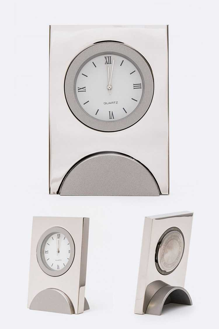 Small Classic Table Clock