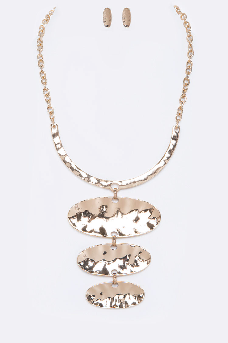 Hammered Oval Pendant Collar Necklace Set