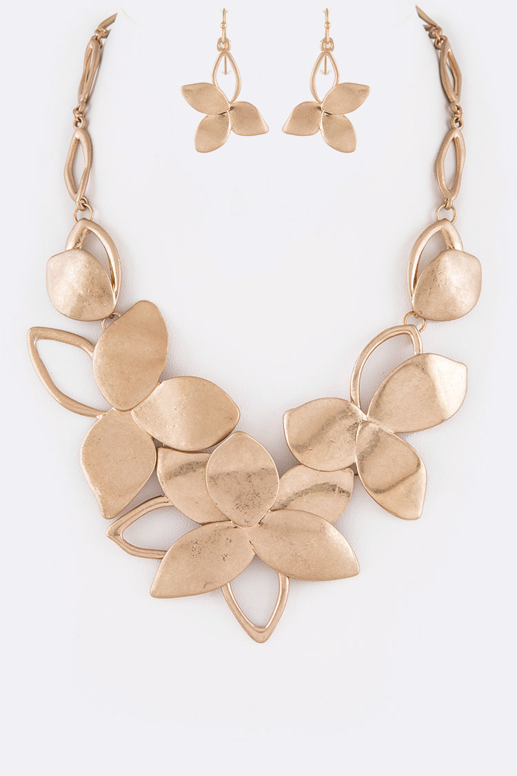 Matte Finish Flower Cutout Iconic Necklace Set