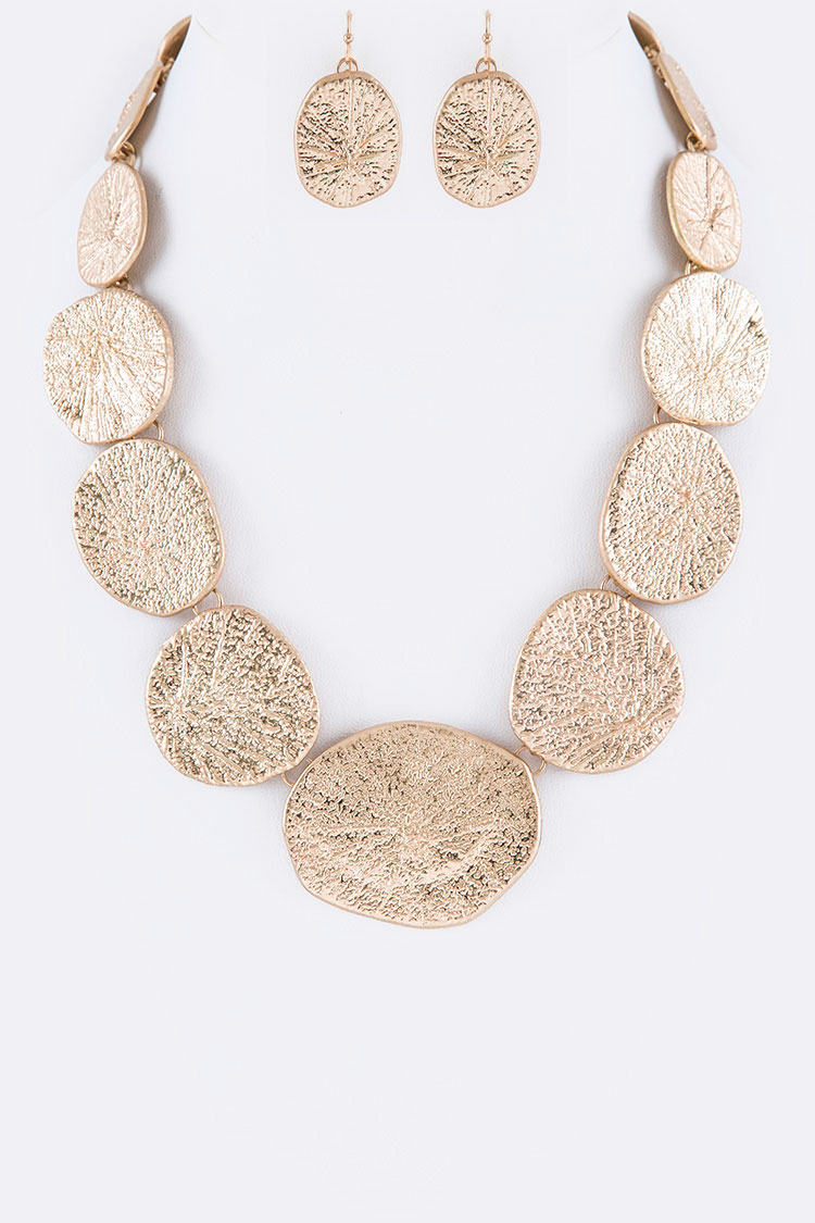 Textured Plate Iconic Collar Necklace Set
