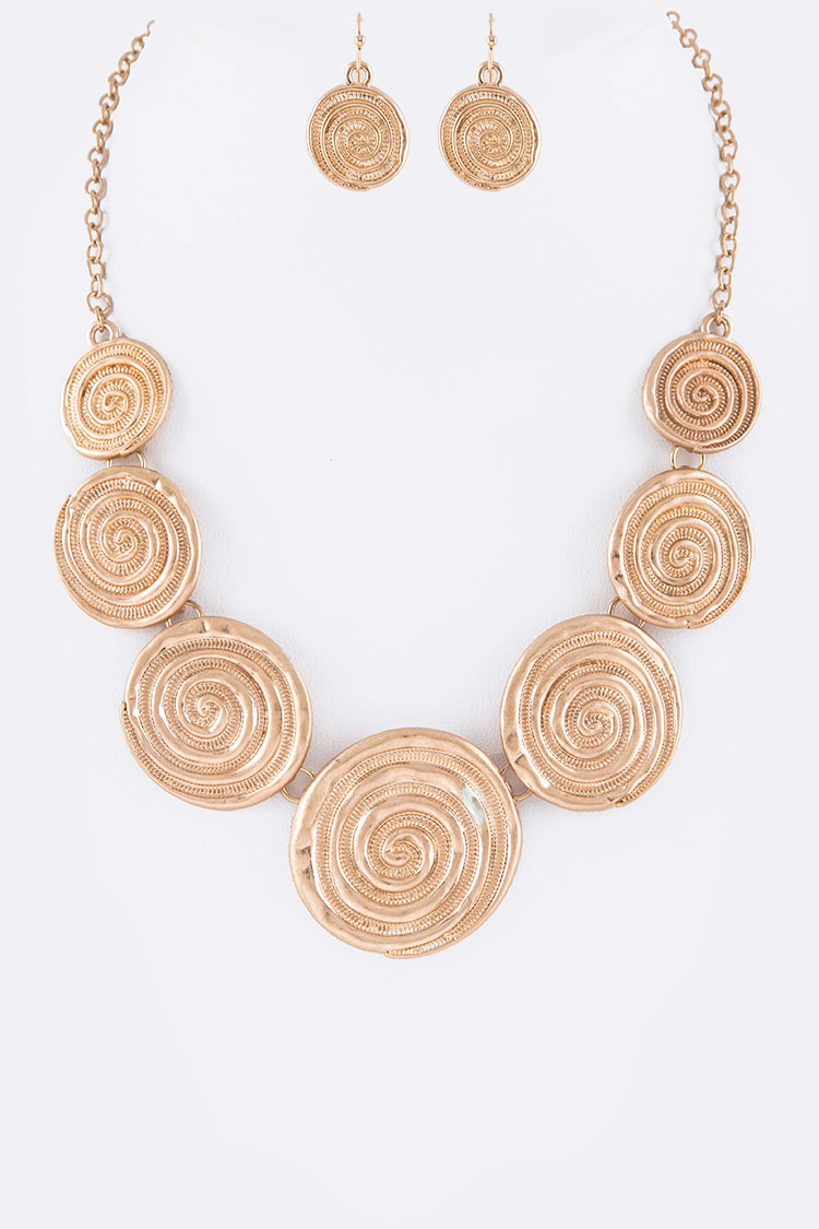 Textured Swirl Pattern Necklace Set