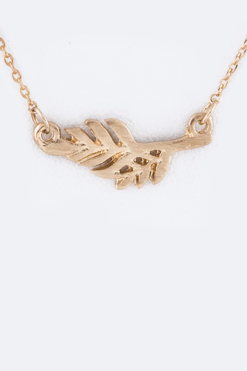 Petite Metal Feather Pendant Necklace
