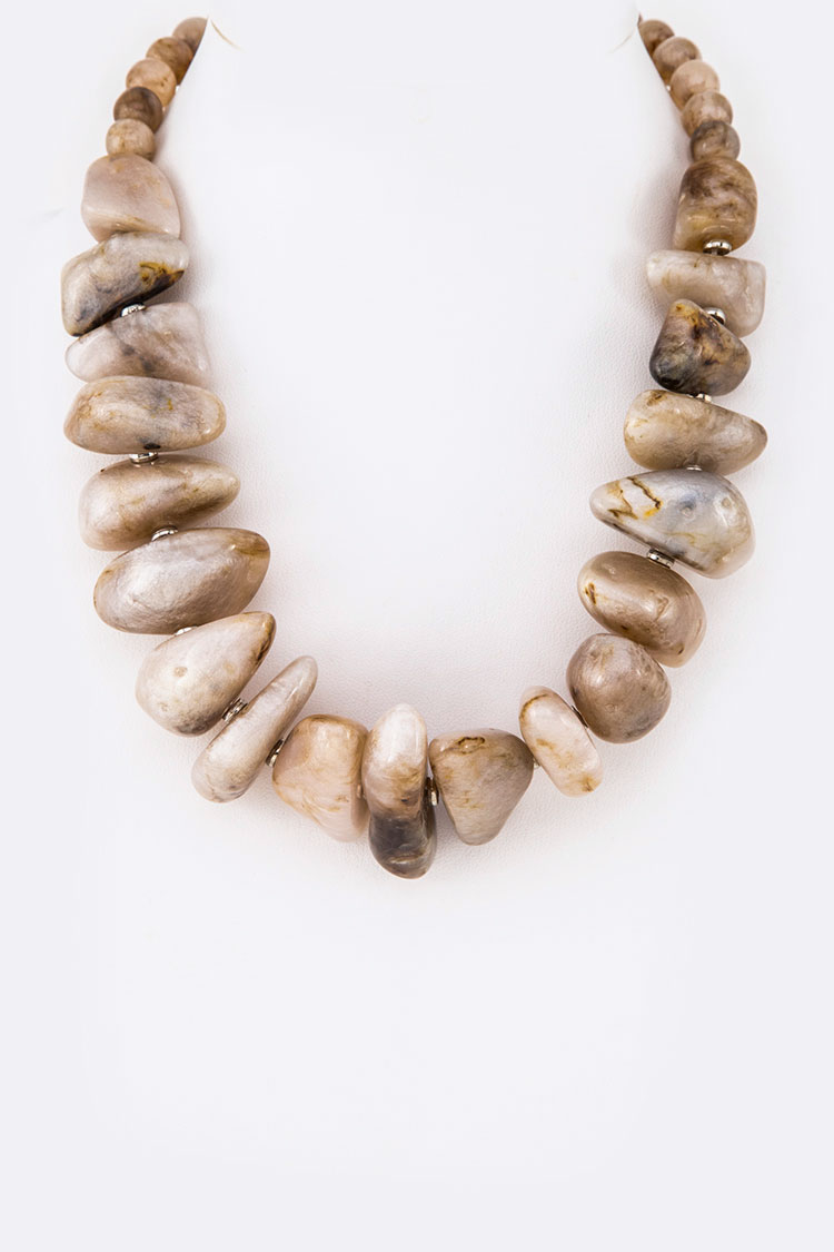 Resin Pebble Iconic Necklace