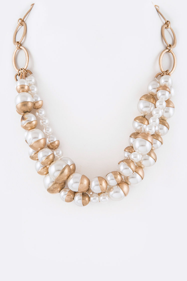 Pearl & Metal Cap Layer Necklace