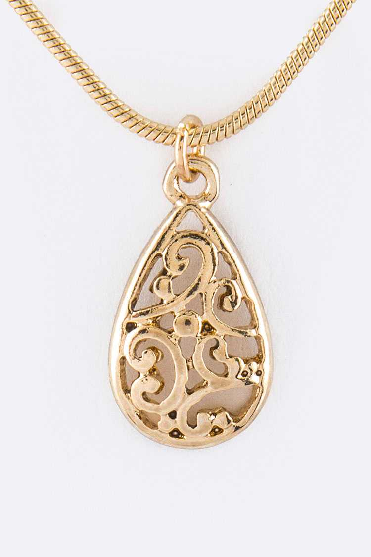 Teardrop Cutout Pendant Necklace
