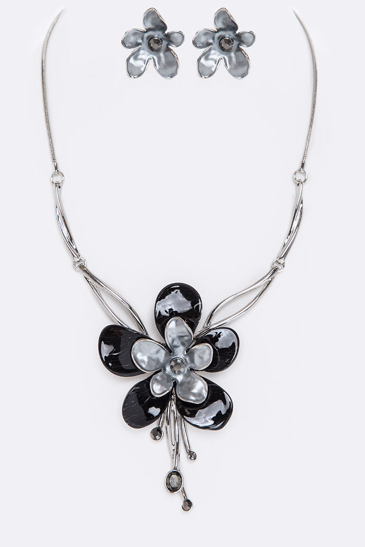 Crystal & Enamel Flower Necklace Set