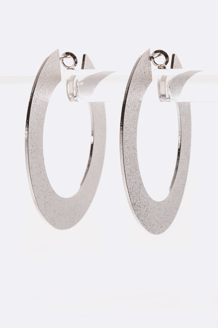 Flat Circle Iconic Metal Hoops