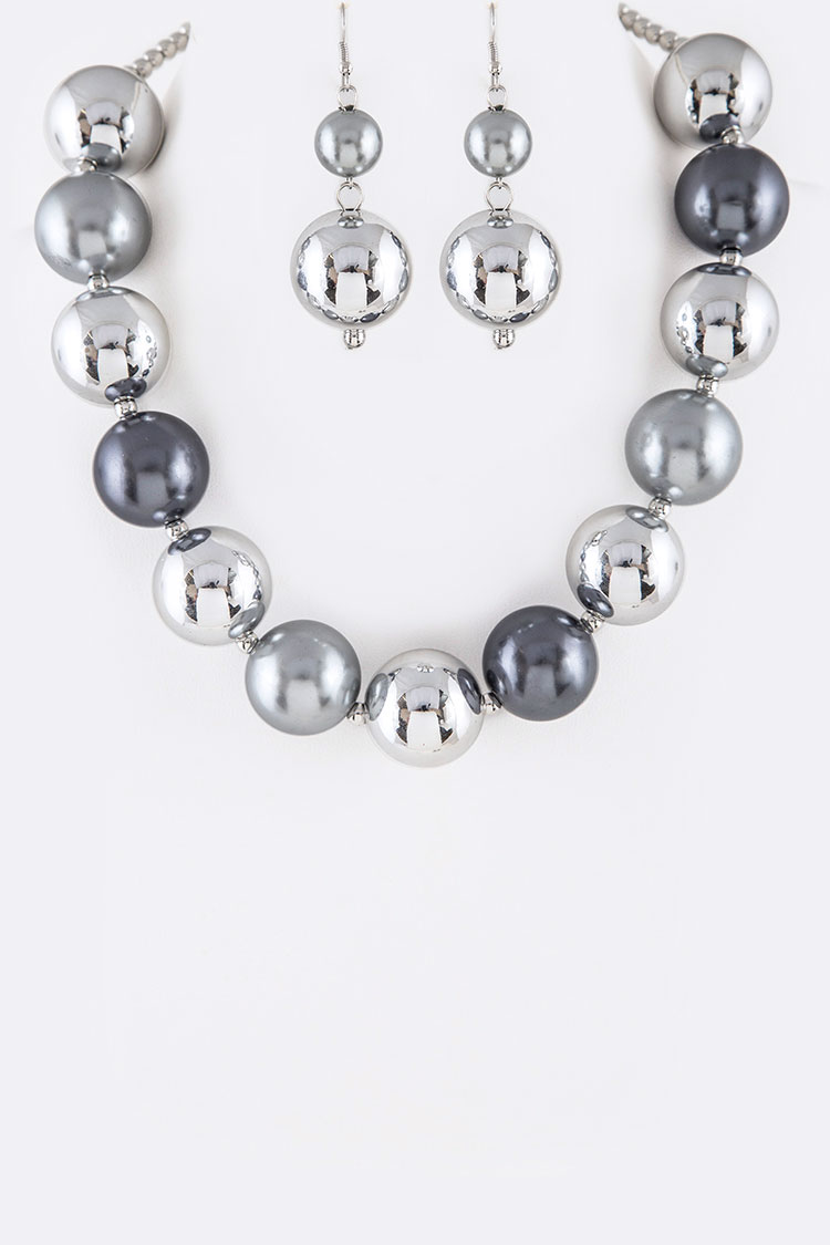 Pearl & Beads Iconic Necklace Set