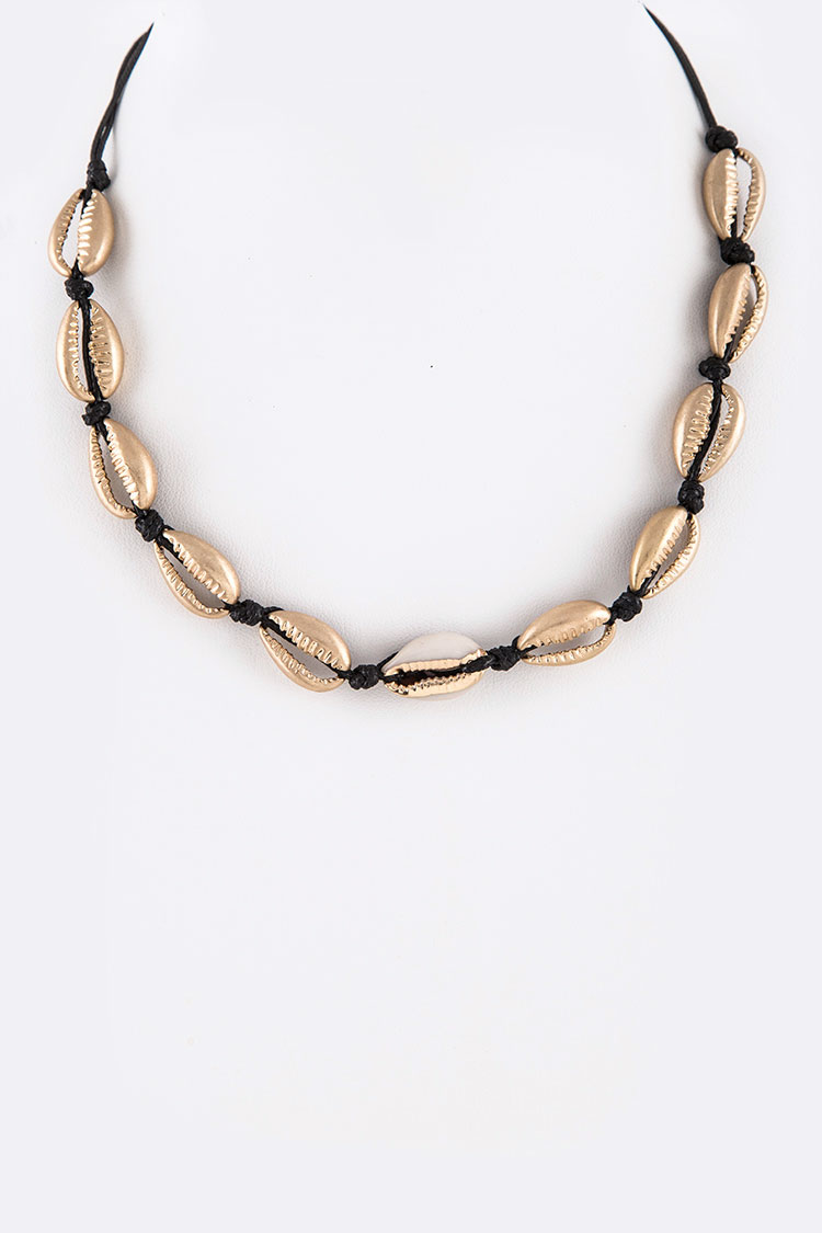 Gold Plated Sea Shell Hand Knot Necklace