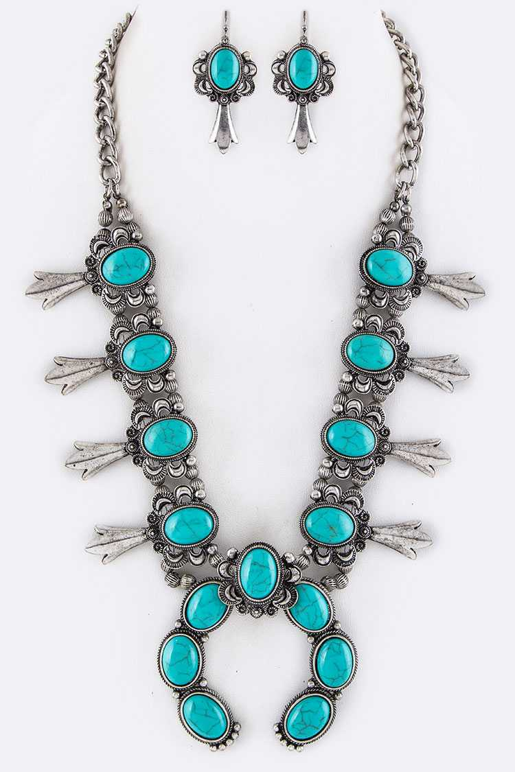 Turquoise Ornate Squash Blossom Necklace Set