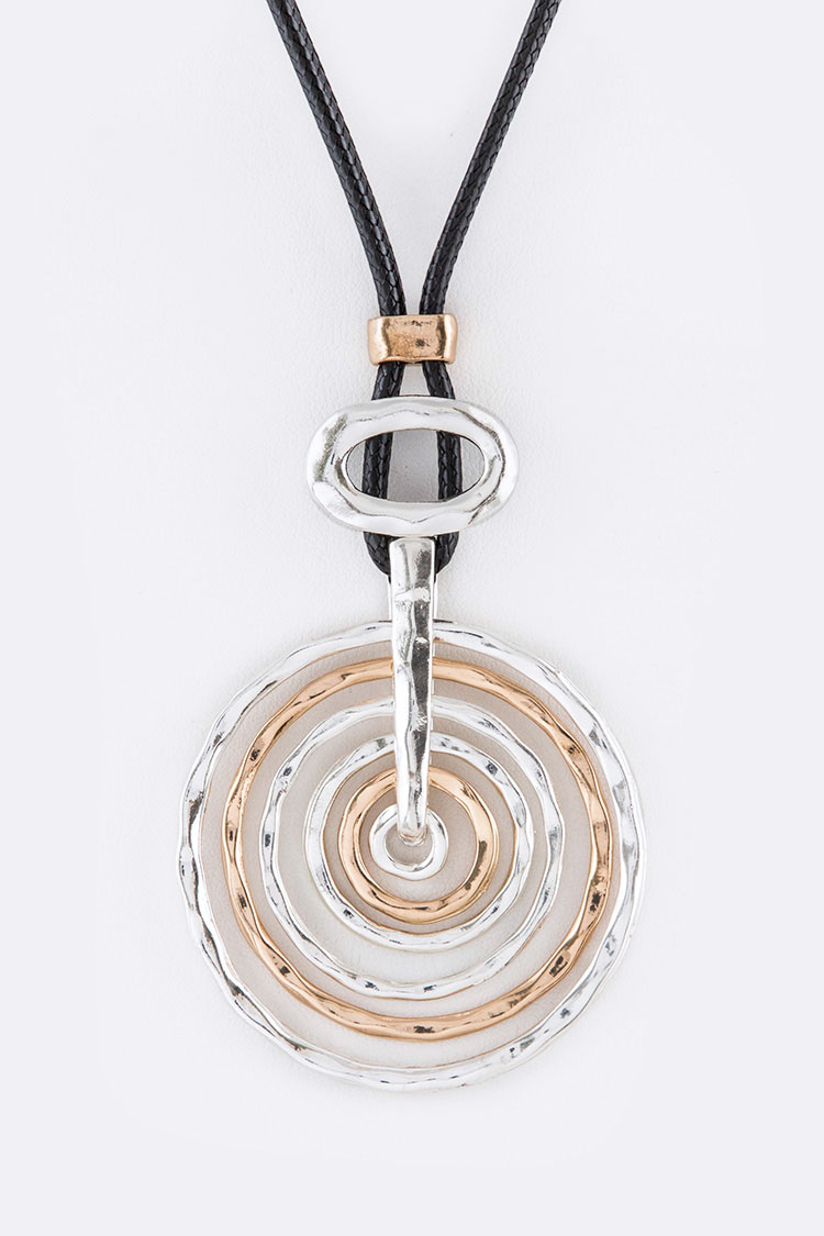 Mix Rings Iconic Pendant Necklace