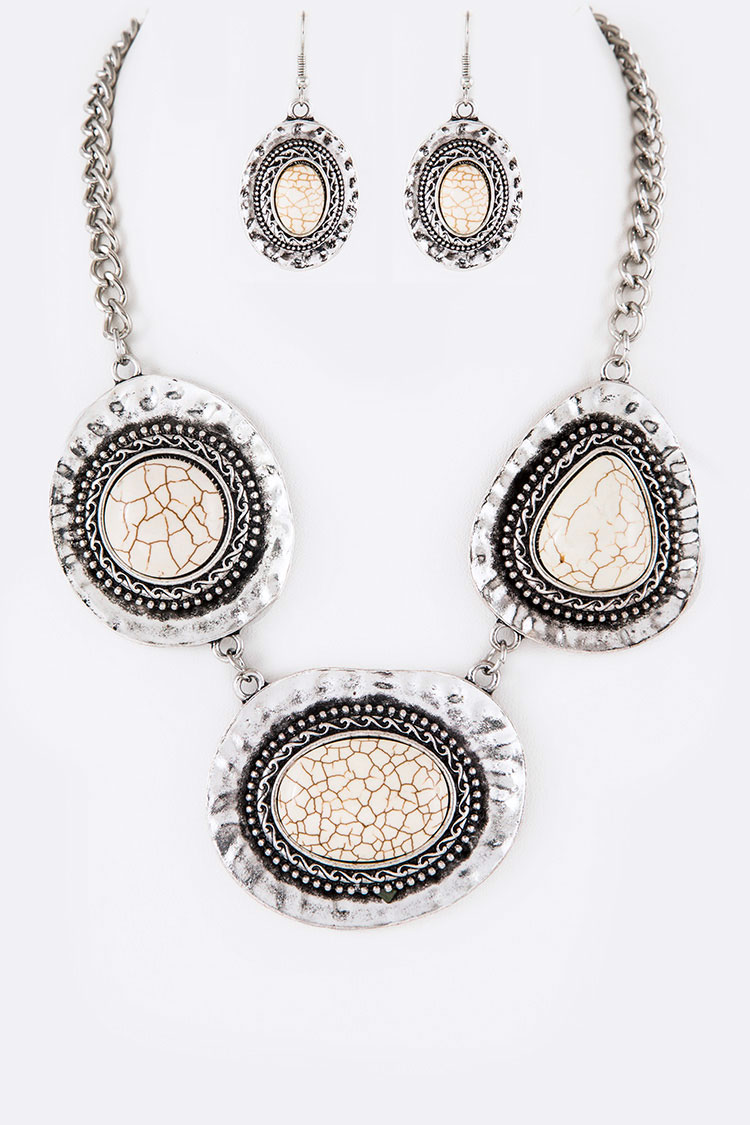 Iconic Stone Pendant Bib Necklace Set