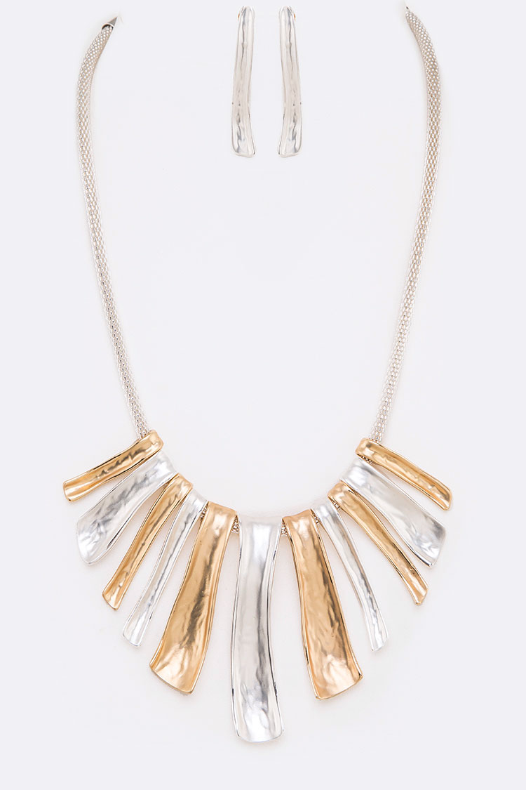 Matte Finish Iconic Metal Necklace Set