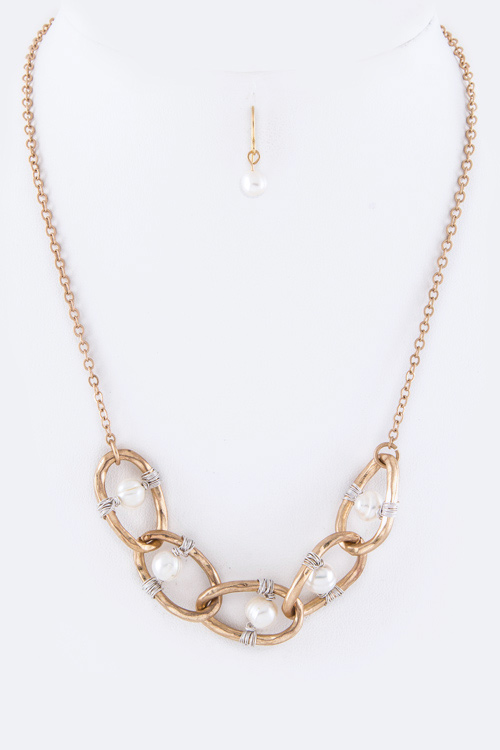 Wired Pearl Hoops Necklace Set