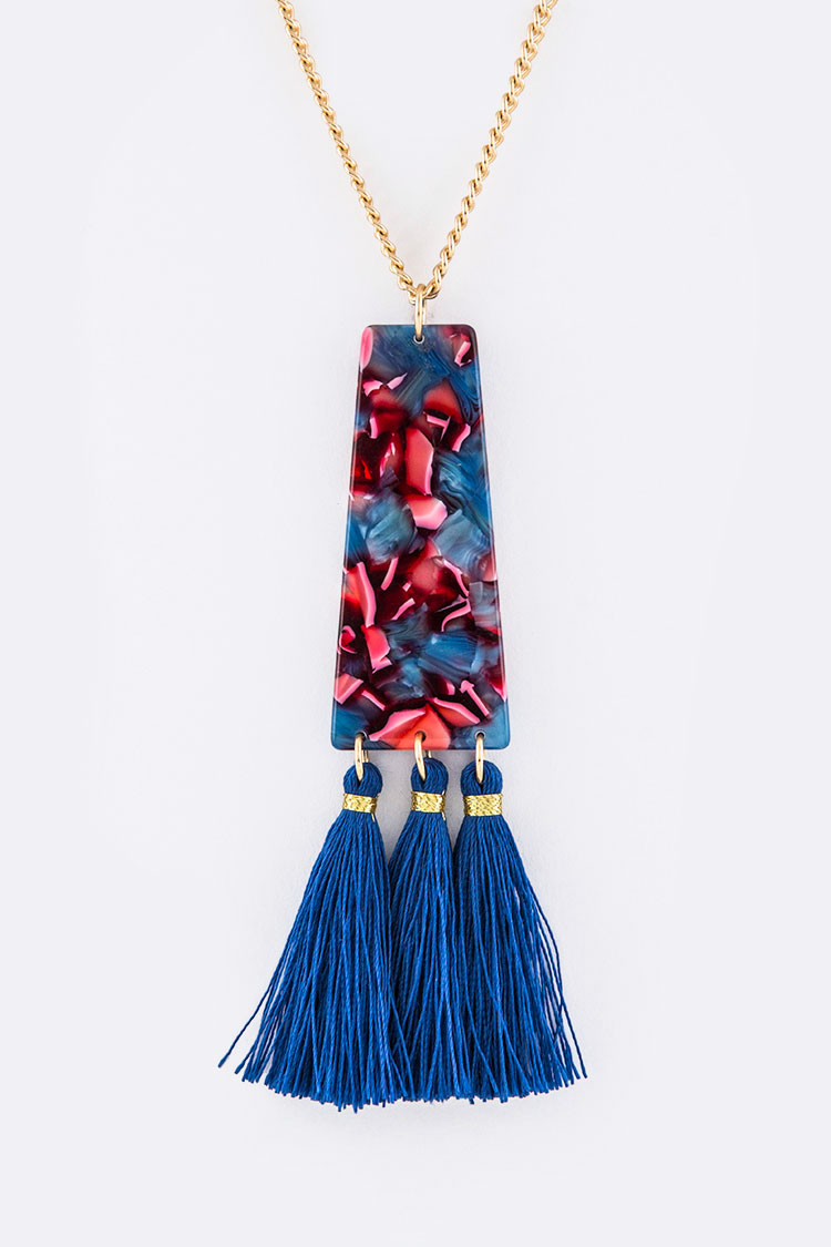 Resin Plate & Tassels Pendant Necklace