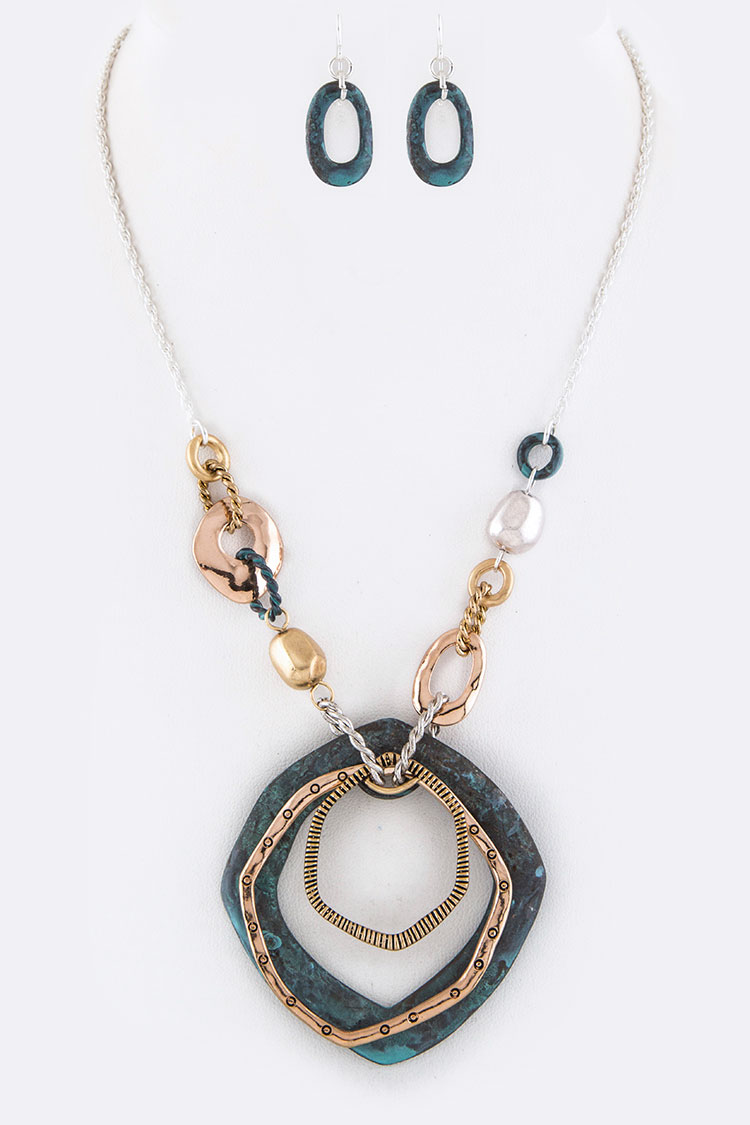 Mix Metal Hoops Pendant Necklace Set