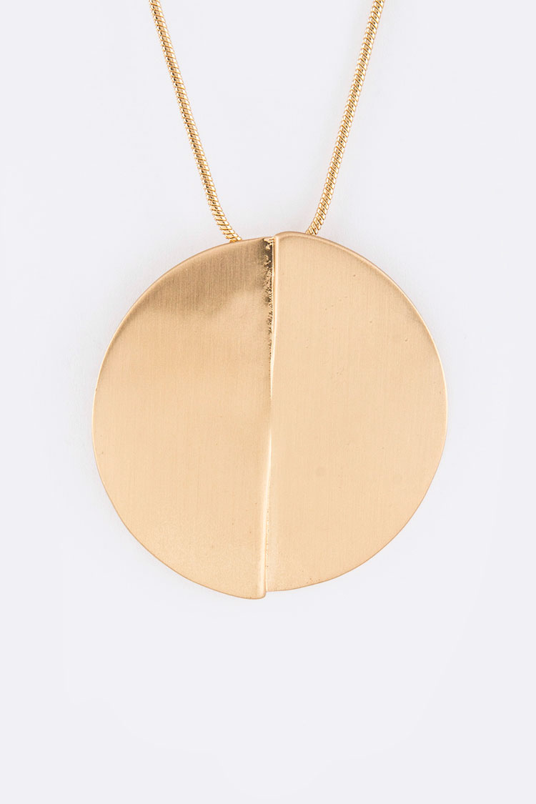 Metal Disk Pendant Necklace