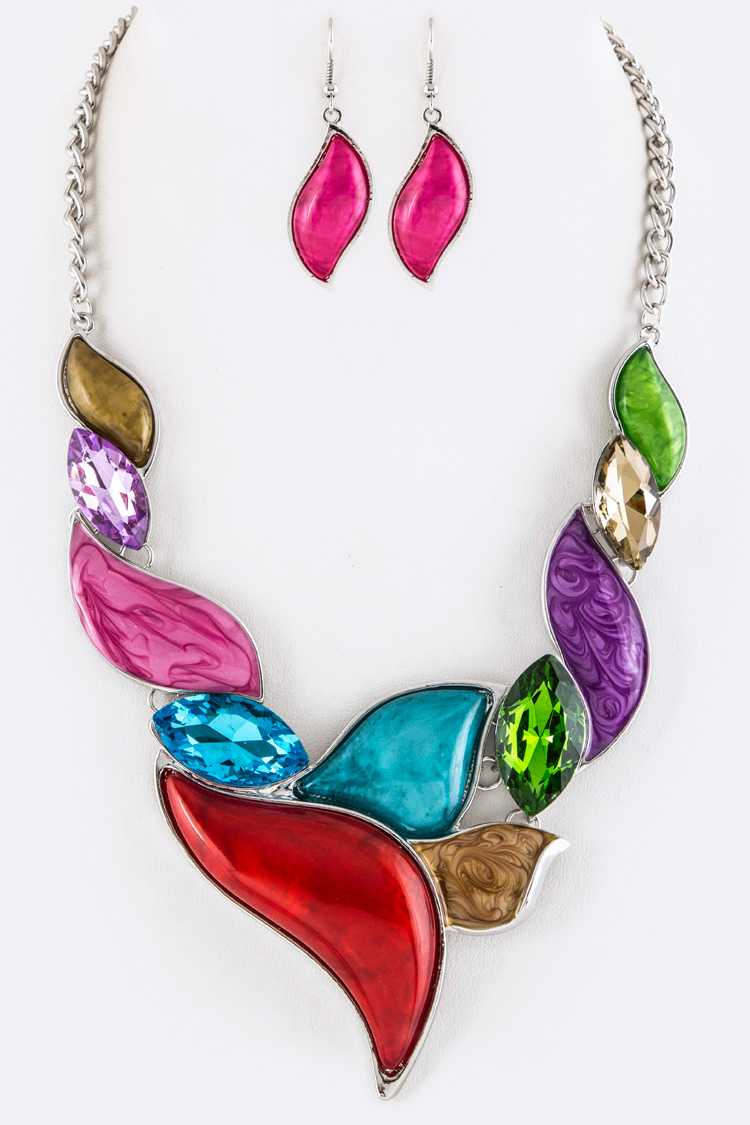 Crystals & Resin Swashes Statement Necklace Set