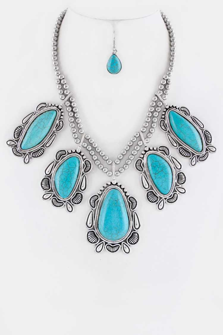 Turquoise Pebble Charms Statement Necklace Set