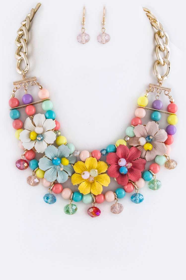 Layer Beads & Flowers Statement Necklace Set