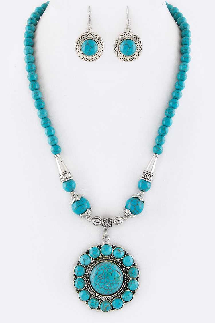 Stone Medallion Necklace Set
