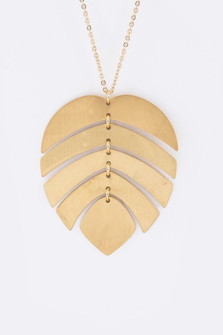 Metal Leaf Pendant Necklace