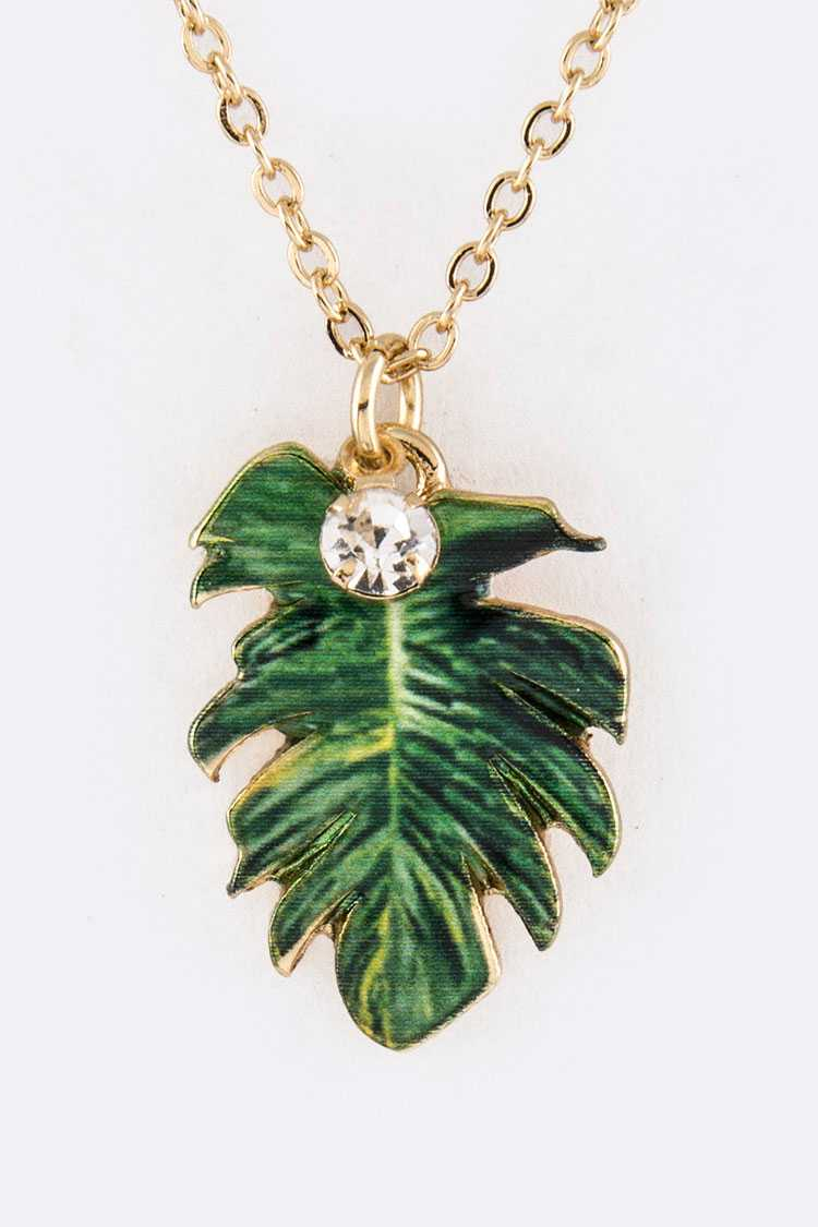 Metal Leaf Pendant Necklace Set