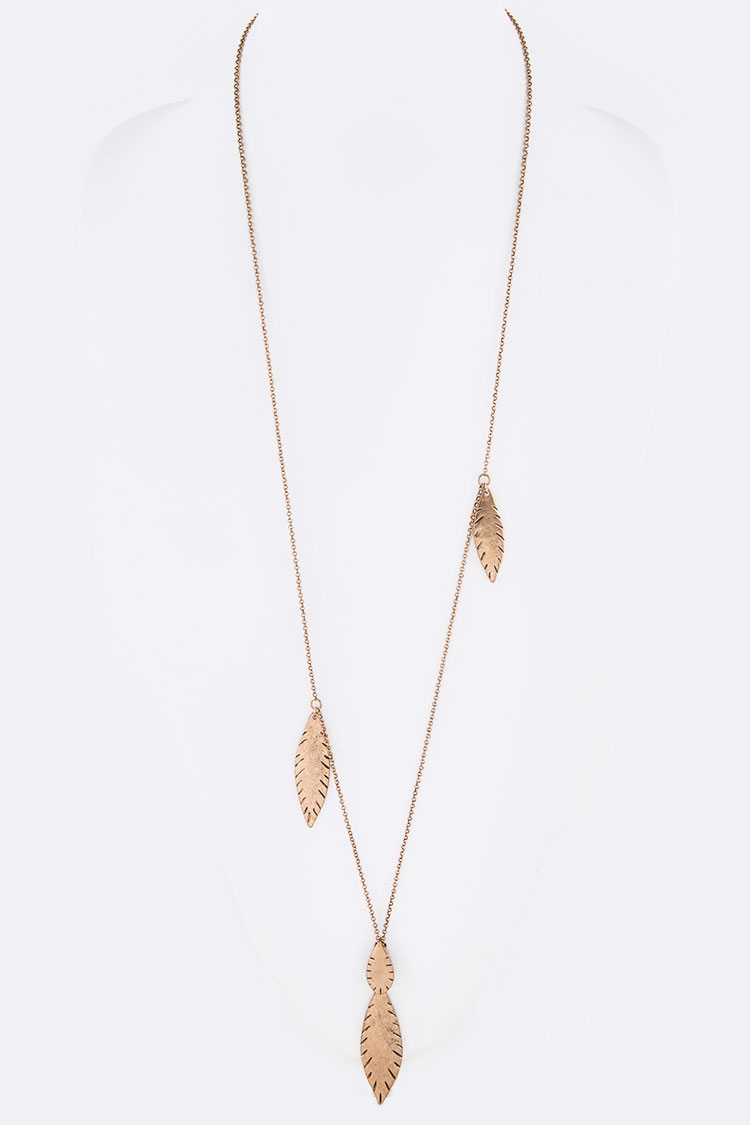 Metal Leaf Swing Pendant Necklace