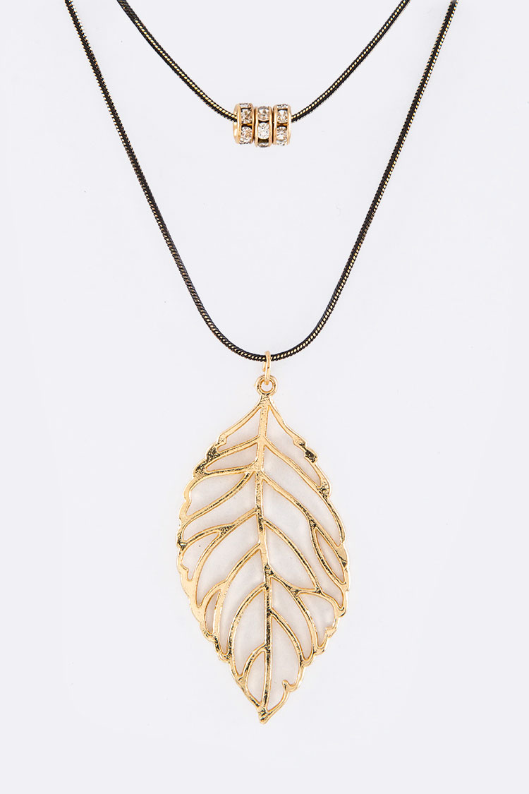 Metal Leaf Charm Layer Necklace