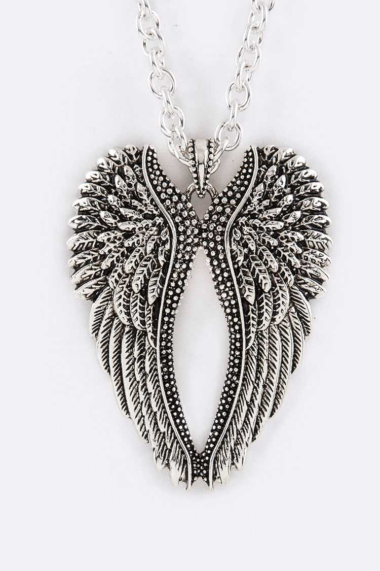 Metal Wings Pendant Necklace