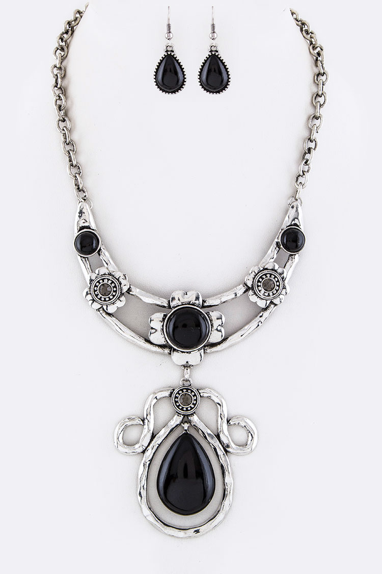 Stone & Crystal Collar Necklace Set