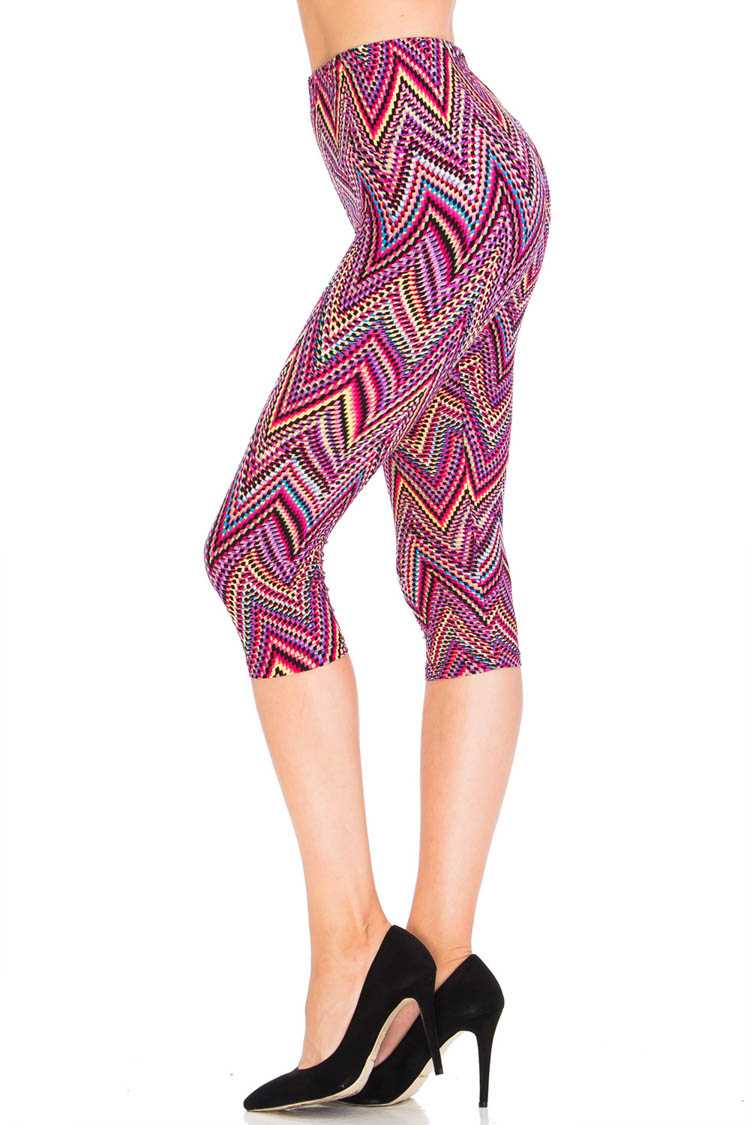 Pointy Chevron Capri Leggings