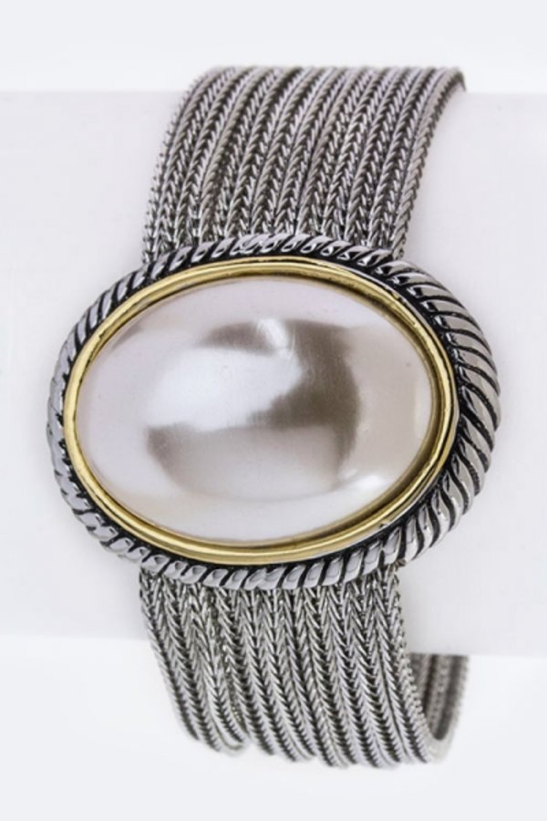 Oval Pearl Thousand Chain Designed Bracelet