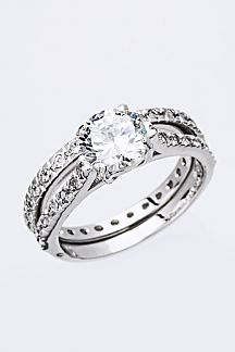 Classic Crystal Ring