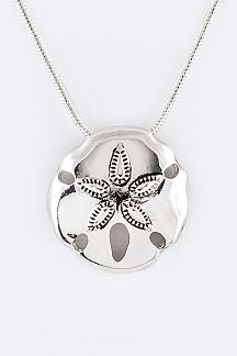 Metal Sand Dollar Pendant Necklace Set