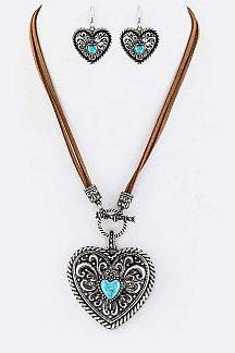 Turquoise Heart Toggle Pendant Necklace Set