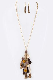 PomPom Tassels Necklace Set